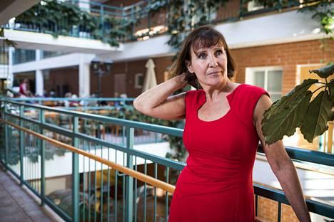 Marja Aarnio-Isohanni on Esperi Care Oy:n toimitusjohtaja ja terveystieteiden tohtori.