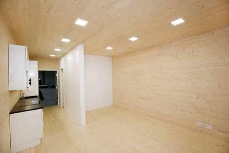 Kaavoitus ei estä Valkeakoskella puusta rakentamista. Kuvassa on puukerrostalon elementti.
