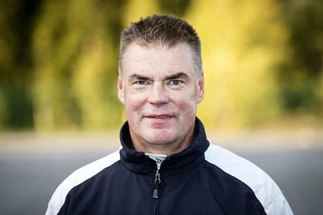 Raimo Helminen jättää Jokerit ja siirtyy Nuorten Leijonien päävalmentajaksi.