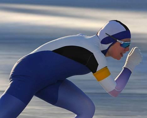 Laura Kivioja paransi 1 500 metrillä ulkoratojen ennätystään.