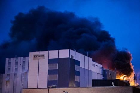 Huntsmanin pigmenttitehdas tuhoutui tulipalossa 30. tammikuuta 2017.