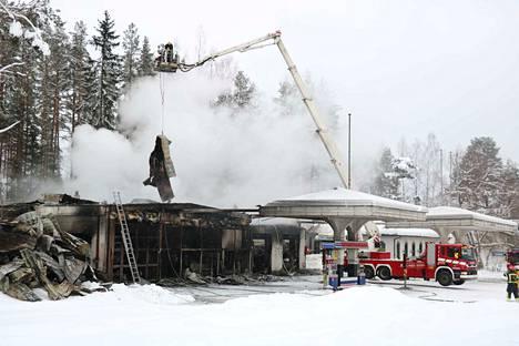 Juha Kiviniemi osti Harjunhovin vuodenvaihteessa. Hänen tarkoituksenaan oli jatkaa liiketoimintaa remontin jälkeen.