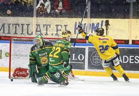 Jatkoaikaa ei ehditty pelata kuin 17 sekuntia, kun Janne Tavi iski jo Jukurien voittomaalin.