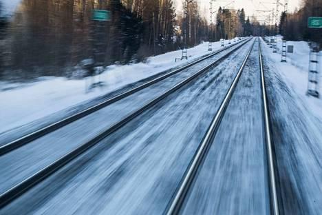 Sääolosuhteet ovat vaikeuttaneet junaliikennettä sunnuntaina ympäri Suomen. Arkistokuva.