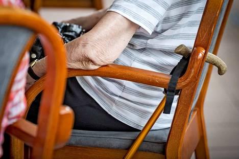 Vanhuspalveluita tarvitsevien määrä kasvaa koko ajan, nykyisin heitä on noin 93 000.
