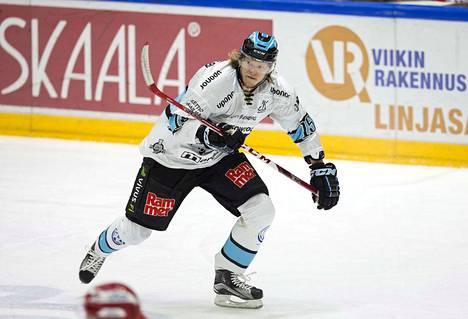 Vili Sopanen on edustanut Liigassa aiemmin muun muassa Pelicansia.