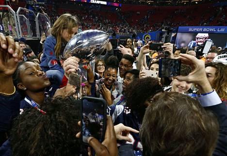 New England Patriots on voittanut Los Angeles Ramsin amerikkalaisen jalkapallon NFL:n loppuottelussa Super Bowlissa.