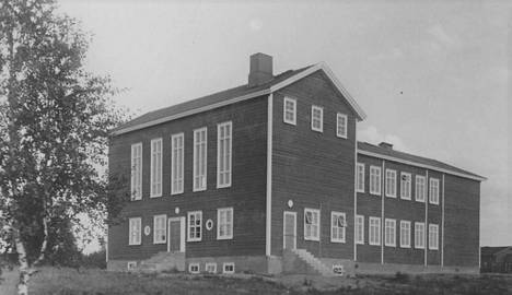 Ensimmäinen oma koulu rakennettiin vuonna 1938