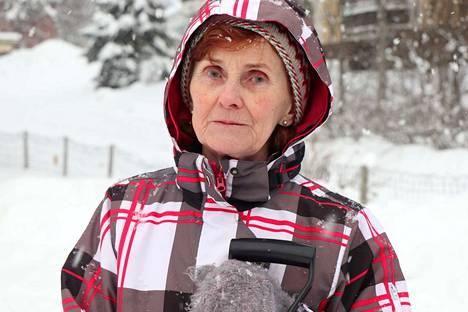 Jämsänkoskelainen Helga Pietola kertoo, että Jämsänkosken keskustassa on oikeastaan kaikkea, mitä hän tarvitsee.