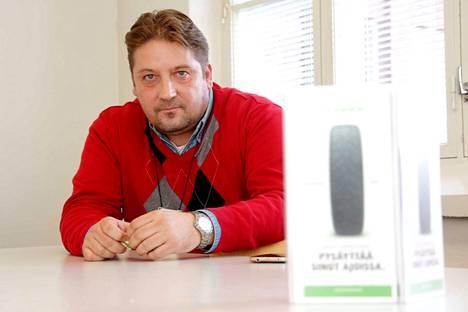 Nokian Renkaiden pääluottamusmies Petri Sorvali huomauttaa, että vaikka irtisanomisia ei tulisikaan, niin lomautus on aina lomautus. Silloin työntekijälle ei ole tarjota töitä.