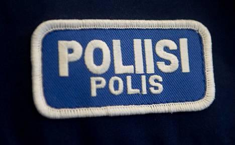 Poliisi kaipaa havaintoja viikonloppuna Välikadulla liikkuneista henkilöistä.