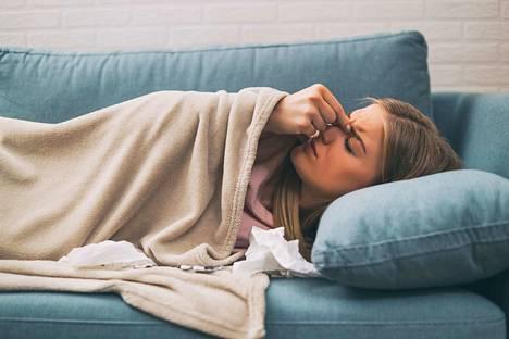 Poskiontelotulehdus voi saada aikaan kovaakin kipua kasvojen alueella.