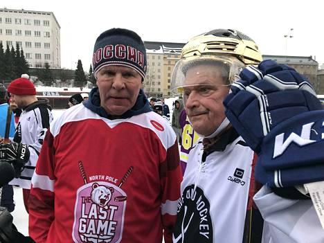 Venäläinen jääkiekkolegenda Vjatseslav Fetisov ja presidentti Sauli Niinistö.