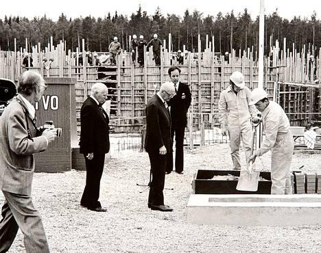 Kun Olkiluodon ykkösyksikön peruskiveä muurattiin 1970-luvun alkupuolella, presidenttinä oli vielä visusti Kekkonen.