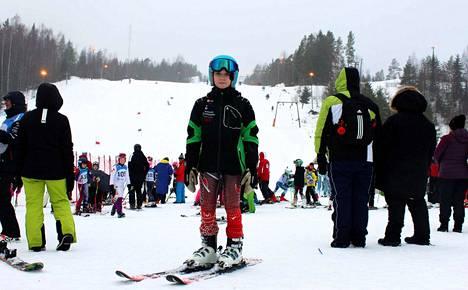Tommi Aalto, 14, on Ellivuori Ski Teamin jäsen, vaikkei asu Sastamalassa. Nuorella pujottelijalla on jo 12 vuoden kokemus laskettelusta.