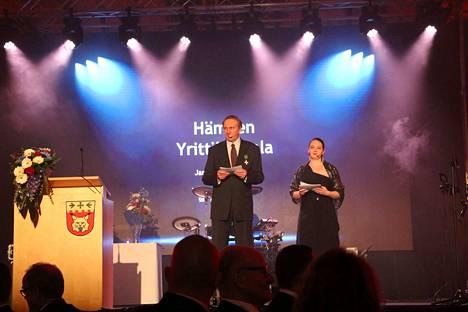 Illan juontajaparina toimi Seppo Kervinen ja Pauliina Hirviniemi.