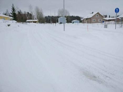 Lukijoiden mukaan Tervakoskella on hoidettu tänä talvena aurausta huonosti.