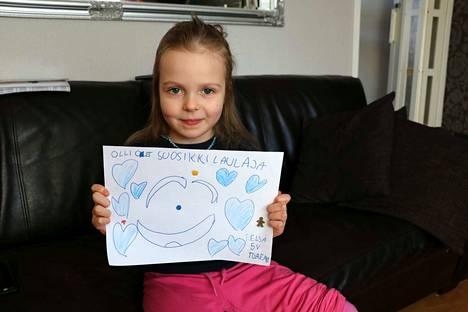 6-vuotias Elsa Kauppinen lähetti Olli Lindholmille fanipostia viime elokuussa.