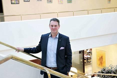 Janakkalan Osuuspankin toimitusjohtaja Mikko Suutari on tyytyväinen viime vuoteen. Asiakasmäärät ovat kasvaneet negatiivisesta väestönkehityksestä huolimatta.