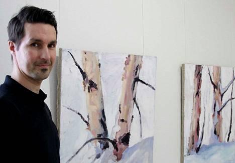 Yhdeksän vuotta Nokialla asuneen Janne Kukkosen teoksia (myös kuvassa olevat Koivut hangesta, 2019, ja Keskitalven väriä, 2019) on nyt ensimmäistä kertaa esillä Taidetalolla. Hetkiä elämästä -taidenäyttely jatkuu 1. maaliskuuta asti.