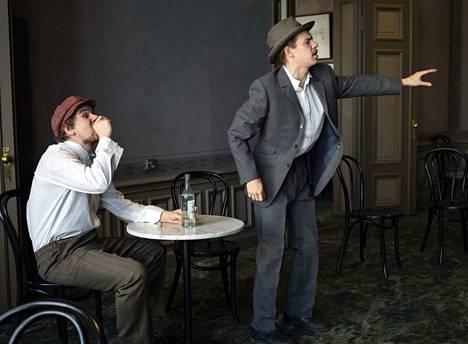 Porissa esitetään huhtikuussa Eetu Salinin elämästä kertova näytelmä Työväen Eetu. Näytelmän on ohjannut ja dramatisoinut Marju Kauppinen. Eetua näyttelee Kalle Högbacka (oikealla), Ida-vaimoa Kauppinen ja muita rooleja Jan-Henrik Holmlund.