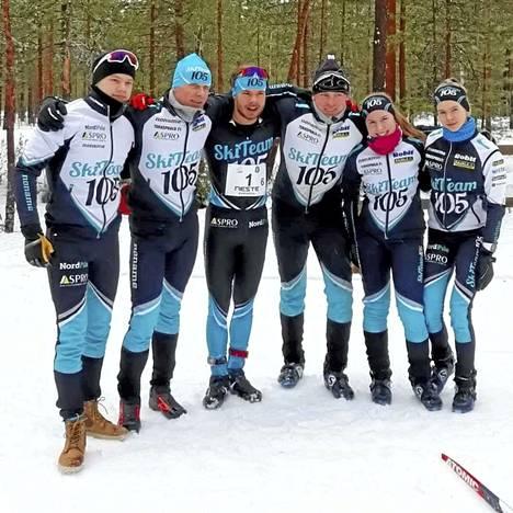 Voittajajoukkueessa hiihtivät Leevi Vuorinen, Marko Takomo, Aleksi Parttimaa, Matti Piha, Fanni Lehtinen ja Ilana Onnela.