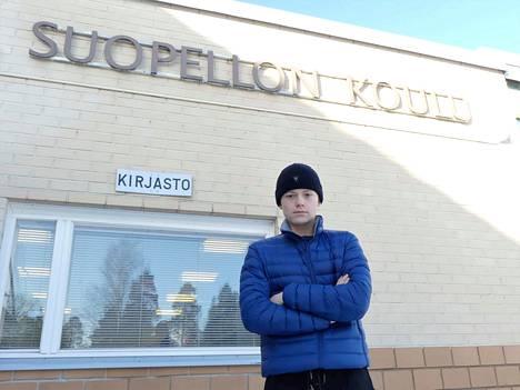 Erkka Luotonen oppi luistelemaan päiväkodissa ja VG-62:n luistelukoulussa. Nyt taitoja tarkastelevat ikäluokan maajoukkuevalmentajat.