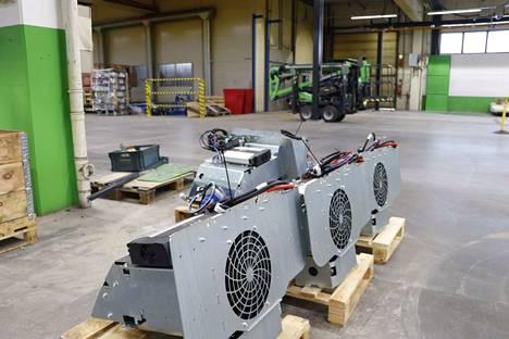 Tässä on valmiina voimanlähteitä Avantin akkukäyttöisiin kuormaajiin.