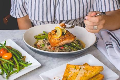 Tehokkain tapa vähentää turvotusta ja kiusallisia ilmavaivoja on kiinnittää huomiota ruokavalioon.