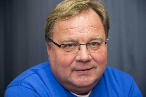 Muun muassa valmentaja Hannu Jortikka sai kultaisen ansioristin.