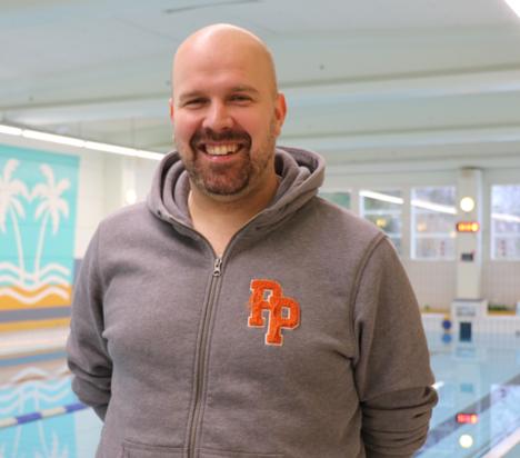 Eetu Aaltonen toivoo, että kunnan oma uintikampanja houkuttelee asukkaat uimahallille.