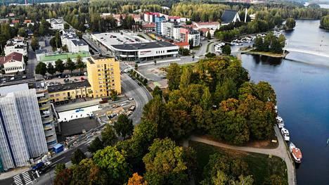 Reijo Heinosen mukaan puiston tasaus vähensi keskustan viihtyvyyttä.