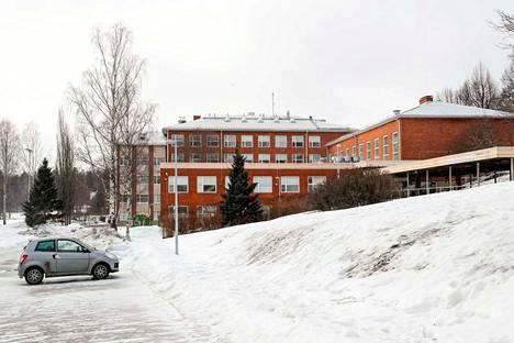 Kaarilan koulu on osa Esco-hanketta. Hankkeen myötä koulun energiankulutusta tarkkaillaan jatkuvasti. Koulun ilmanvaihtoa säädetään muun muassa hiilidioksidianturoiden avulla.