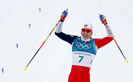 Simen Hegstad Kruger teki kovan tempun Pyeongchangissa ja voitti skiathlonin.