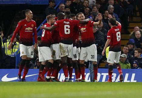 Manchester United on vahvassa nosteessa. Sunnuntaina se lyö kapuloita Liverpoolin mestaruusrattaisiiin.