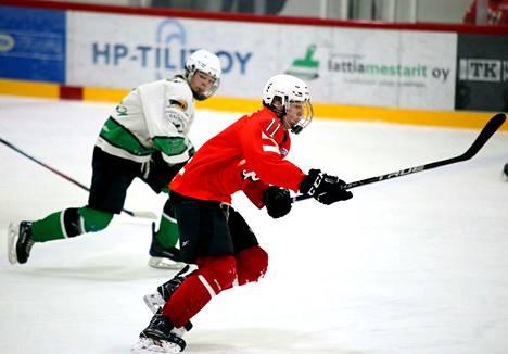 Pyryn B-junioreiden pelikausi on sujunut voitokkaasti. Saku Hautamäki iski kaksi maalia joukkueen voittaessa Forssan Palloseuran Suomisarjan ottelussa.