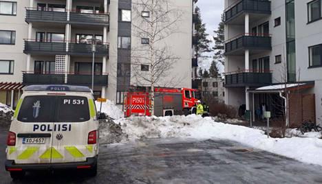 Palo syttyi 5-kerroksisen kerrostalon neljännessä kerroksessa Nokian Ahteensivulla.