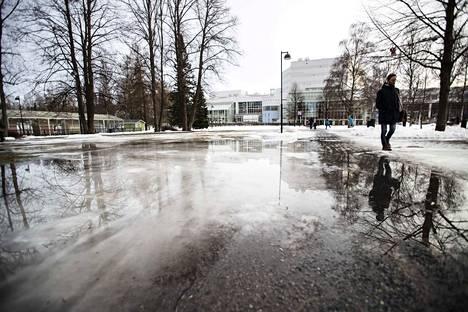 Viime vuoden Taikatalvi-tapahtuma oli suosittu lapsiperheiden keskuudessa. Tapahtuma on pidetty Sorsapuistossa Tampere-talon edustalla. Nyt sitä ei voida järjestää.