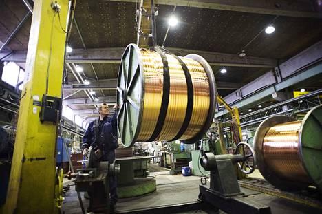 Luvatan Porin tehtaan kuparista valmistetaan muun muassa sähköautojen moottorien profiilitankoja.