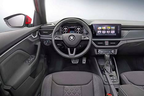 Ohjaamossa on VAG-konsernin hengen mukaisesti yhteneväisyyttä Audin, Seatin ja Volkswagenin välillä.