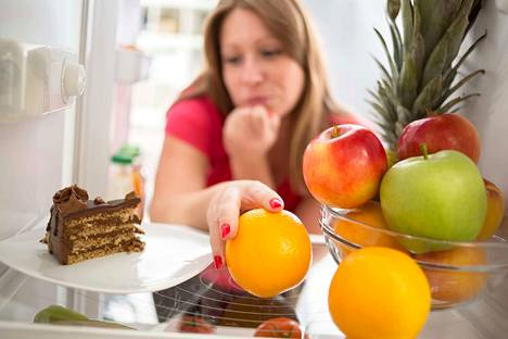 Hormonit vaikuttavat ruokahimoihin. Mieliteot voivat asiantuntijoiden mukaan vaihdella kuukautiskierron mukaan.
