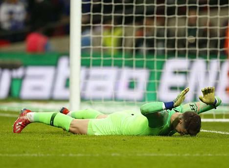 Chelsean maalivahti Kepa Arrizabalaga menettää viikon palkan, koska ei totellut valmentajan käskyä tulla vaihtoon.