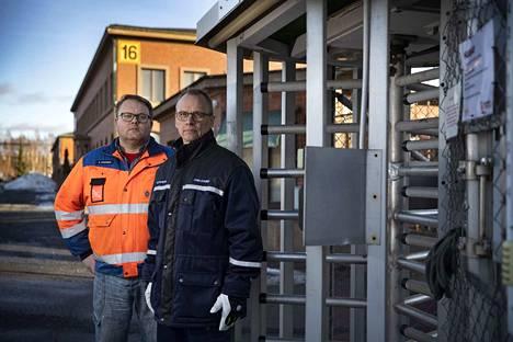 Luvata Porin toimihenkilöiden pääluottamusmies Kai Vihermaa ja työntekijöiden pääluottamusmies Jyrki Levonen uskovat, että henkilöstövähennyksiä tulee vähemmän kuin enimmäismääräksi ilmoitettu 45 henkilöä.