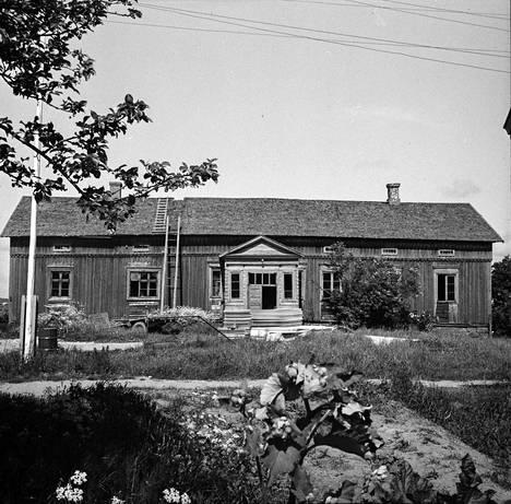 Lehdessä uutisoitiin 28.6.1967 Vampulan vanhimman rakennuksen purkamisesta. Tuo talovanhus oli Pelttarin tilan vanha asuinrakennus, joka oli tiettävästi ollut olemassa ainakin vuodesta 1769. Rakennuksen omistaja, isäntä Jouko Mäntylä, suunnitteli käyttävänsä soveltuvat purkuosat sikalan kattorakennuksiin.