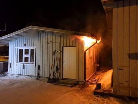 Tulipalo ei vaikuta Ellivuoren toimintaan.