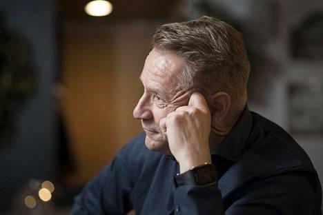 Olli Lindholm antoi Pomarkulle keskeisen roolin siinä, että hänestä tuli muusikko.