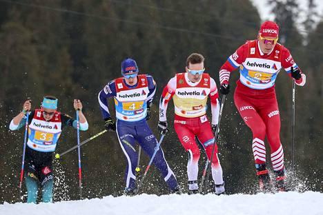 Heikkinen ei aivan pysynyt Bolshunovin ja Röthen vauhdissa loppuun asti.
