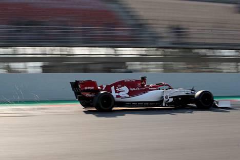Kimi Räikkönen säväytti talvitestien ensimmäisellä viikolla. Loppua kohden Alfa Romeo katosi tuloslistojen kärkipaikoilta.