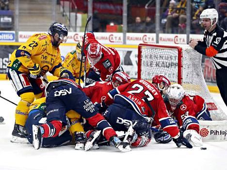 HIFK:n maalilla oli välillä paljon ruuhkaa, mutta maaleja Lukko teki vain yhden. Lopulta kaikki pisteet matkasivat Helsinkiin.