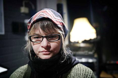 Noora Tommila on Eleanoora Rosenholm -yhtyeen laulaja.